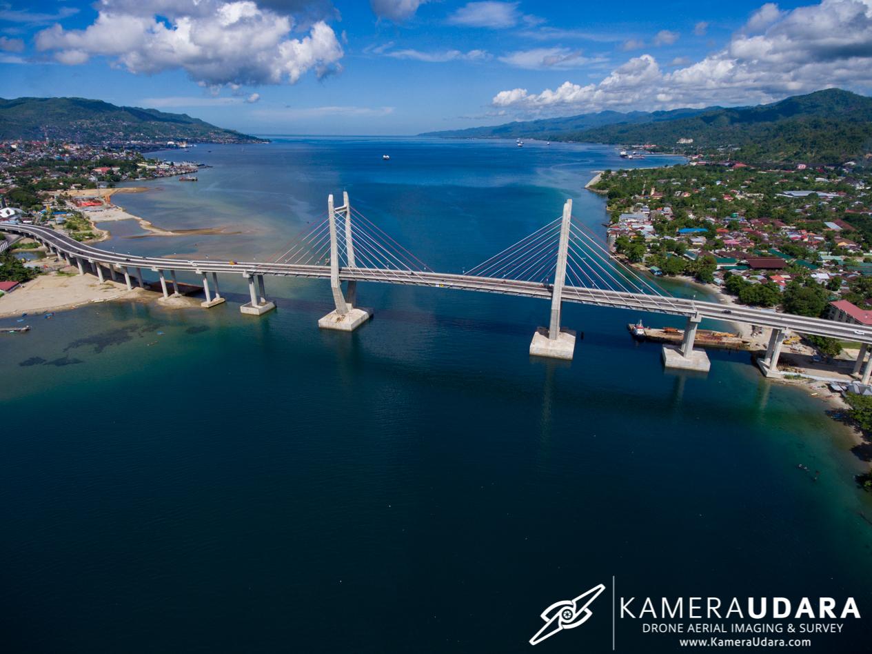Foto Udara Ambon - Jembatan Merah Putih